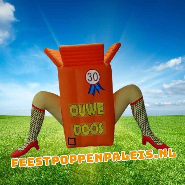 Opblaasfiguur Sarah Ouwe Doos - 2,5 meter hoog